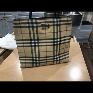 Burberry Tote.